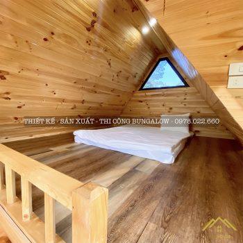Không gian gác xếp nhà gỗ