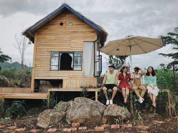 MAMA's House - Những ngôi nhà gỗ giữa vườn mơ trắng
