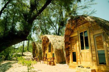 """Coto village - """"Lều vịt"""" Cô Tô"""