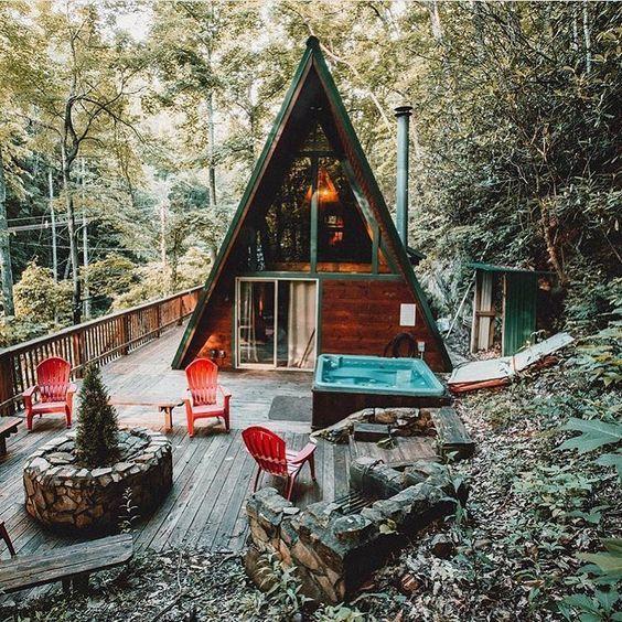 Kiểu nhà này cũng có nhiều nơi được làm hoàn toàn bằng gỗ tạo cảm giác vintage và ấm áp