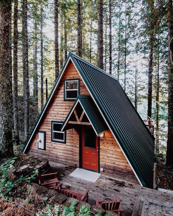 Một ngôi nhà gỗ bên rừng thông nơi thành phố sương mù Đà Lạt có phải là cuộc sống quá hoàn hảo rồi không nhỉ?