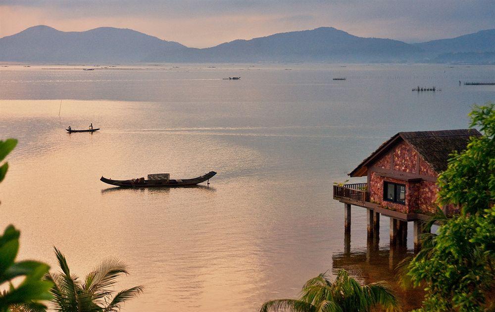 """Đơn vị thi công bungalow Huế trên sông khiến bao du khách """"Rụng Tim"""""""